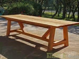 Free Woodworking Plans Patio Furniture by Diy Une Table De Jardin En Bois Par Initialesgg