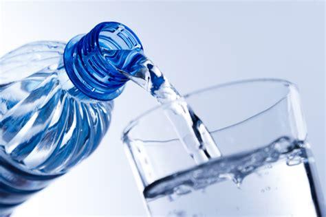 bicchieri d acqua al giorno con 3 bicchieri di acqua al giorno si tagliano 200