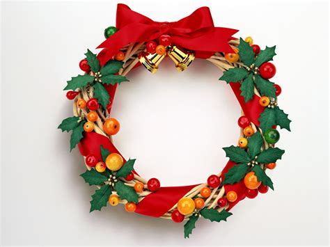 cheistmas wreath search more fashion here