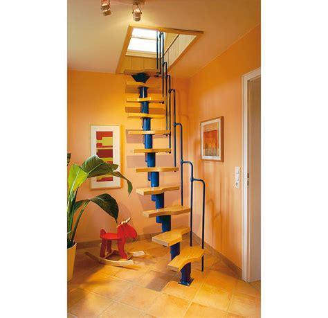 treppe nachträglich einbauen raumspartreppe selber bauen dachluke mit treppe