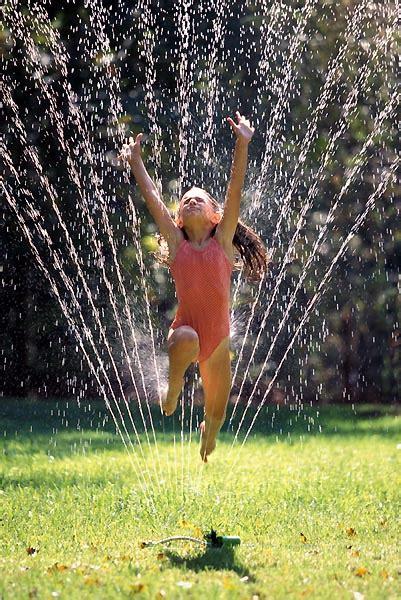 backyard sprinkler what is the best backyard water sprinkler for kids to play
