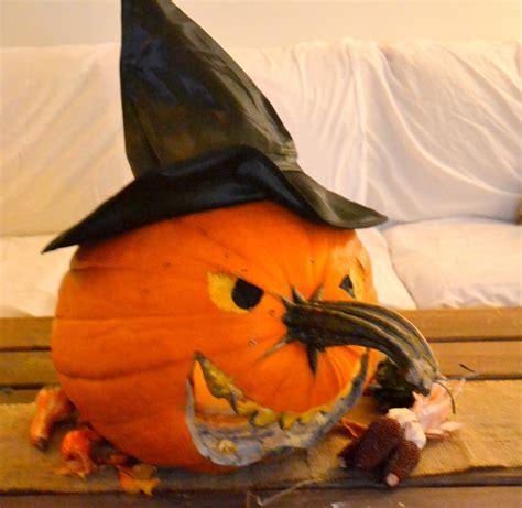 witch pumpkin tutorials painted pumpkins