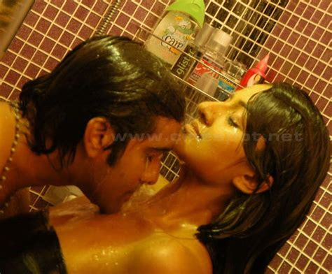 bathroom scene hot actress vimala raman hot bathroom scene with tarun