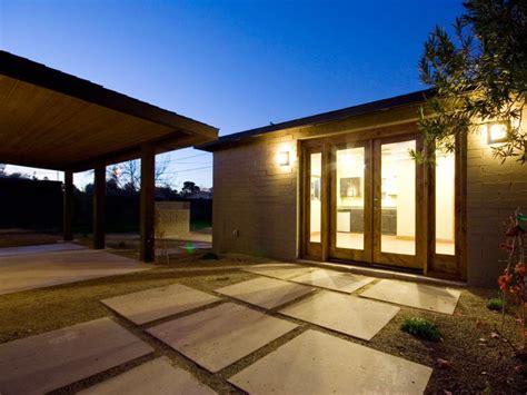 Outdoor Entryway Lighting Ways To Light Your Outdoor Entryway Hgtv