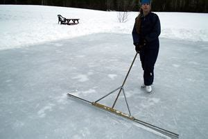 how to make an ice rink in your backyard make a cheap backyard ice skating rink