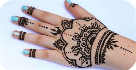 motif henna tangan sederhana  mudah  cantik