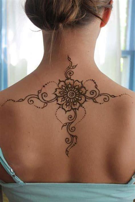 design tattoo di punggung melukis henna tak hanya di tangan inilah lukisan henna di