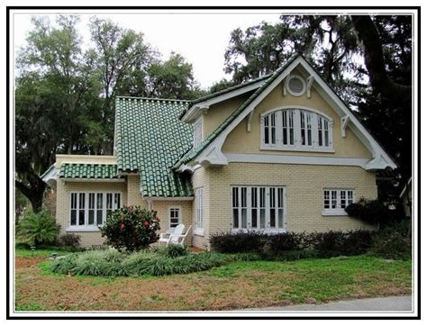 t shalet not my roof 10 best images about houses with green roofs etc on