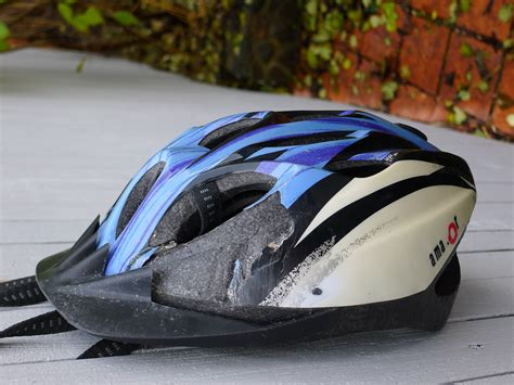 Motorradhelm Unfall by File Amazor Helmet After Crash Jpg Wikimedia Commons