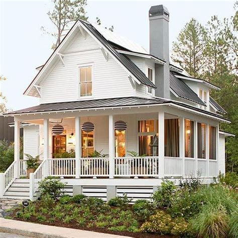 farmhouse style house i sooooo want an farm style house with a porch all the
