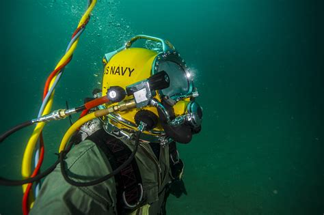 Taking A Hard Look At Navy Diving Navy Live