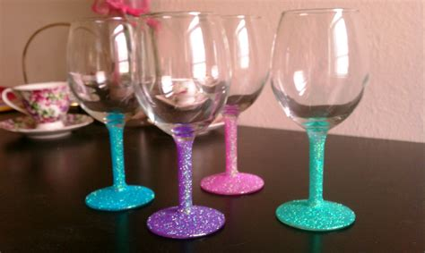 15 best on design images 15 painted wine glass designs