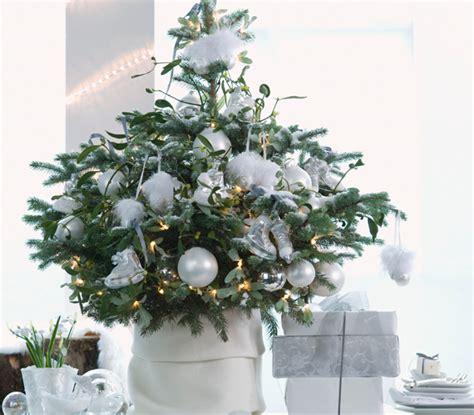decorare alberi di natale albero di natale 10 idee per decorarlo leitv
