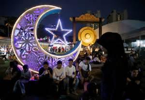 World Ramadan Eid Marks The End Of Ramadan Around The World Cbc News