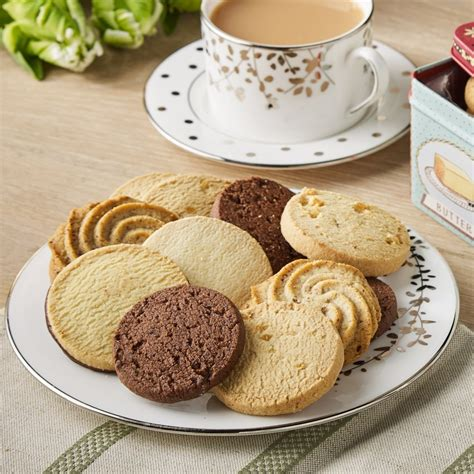 biscuit selection tin bettys
