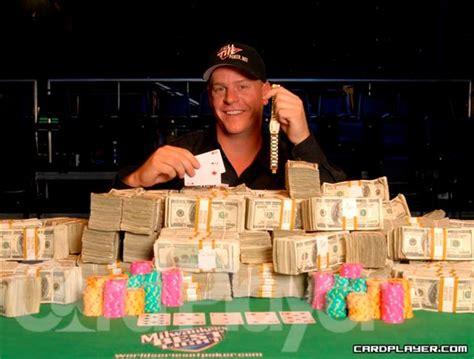Betting on a World Series of Poker Bracelet   Poker News