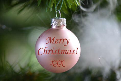 kostenlose foto blume dekoration gruen weihnachtsdekoration weihnachtskugel froehliche