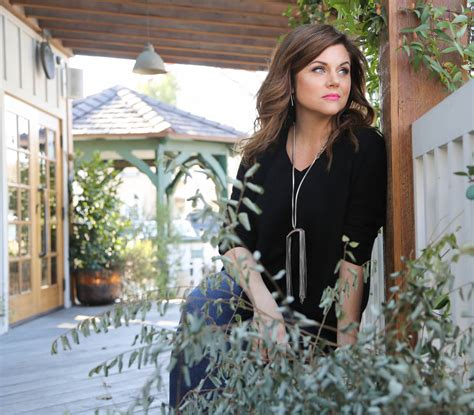 tiffani thiessen home j j watt s new girl tiffani thiessen falls hard makes