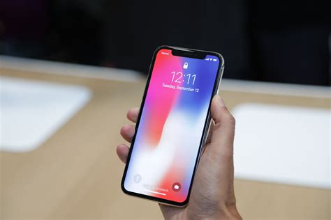 Lg Shine Might Be Better Than An Iphone by Why The Iphone X Is The New Iphone You Ll Want Now