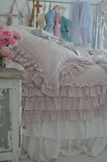 Shabby Syari 17 best images about lovely lazy bedrooms on shabby bedroom guest rooms and