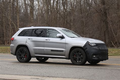 hellcat jeep jeep grand cherokee hellcat latest spy shots gtspirit