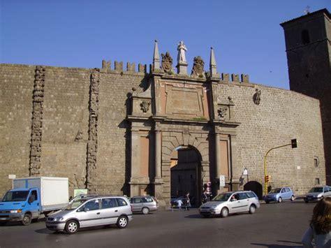 viterbo porta romana viterbo porta romana dal 9 agosto chiusa al traffico per
