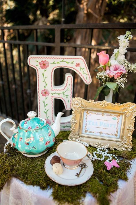 Kara's Party Ideas Shabby Chic Alice In Wonderland