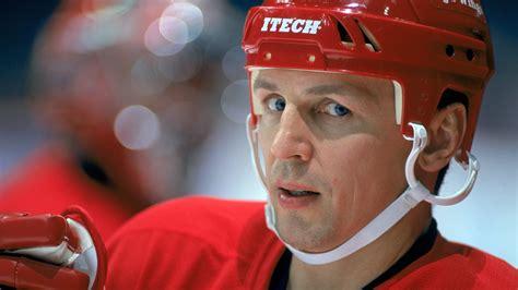 Celebrity Interior Homes rink included hockey hall of famer igor larionov selling