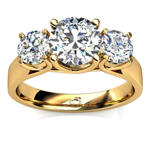 three engagement ring in 14k yellow gold