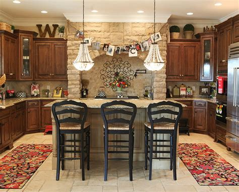 kitchen decorating ideas for above cabinets home