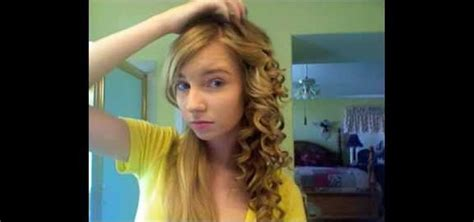 how to curl your hair like tri p henson how to style curly hair like taylor swift short curly hair