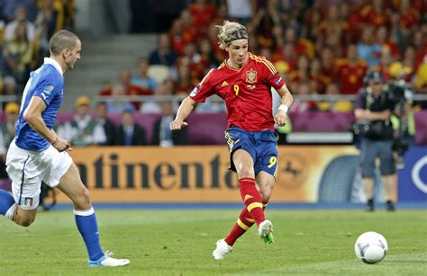 spanish football team euro 2012 spain crushes italy 4 0 in euro 2012 final cleveland com