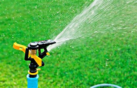10 best lawn sprinklers both for your lawn and garden