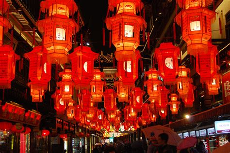 china festival makes lanterns to brighten festival cctv news cctv
