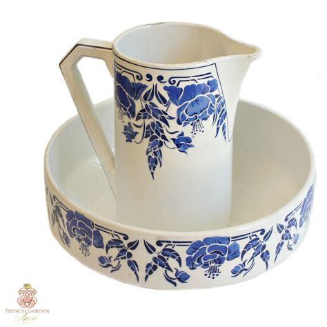 Antique Style Blue White Ornate Porcelain Garden Water Can Collectible 14cm 5 5 Quot Ebay Antique Nouveau Wash Bowl And Water Pitcher