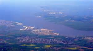 thames river estuary the thames estuary from the air 169 thomas nugent cc by sa 2