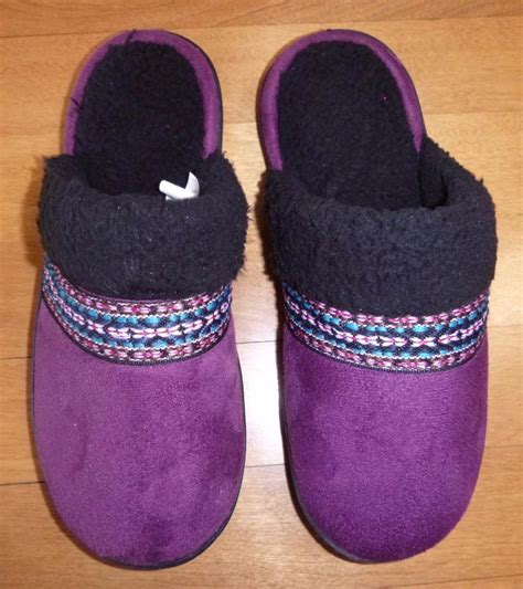 isotoner house shoes womens womens isotoner slippers house shoes scuffs size s m l xl black plum brown clogs ebay