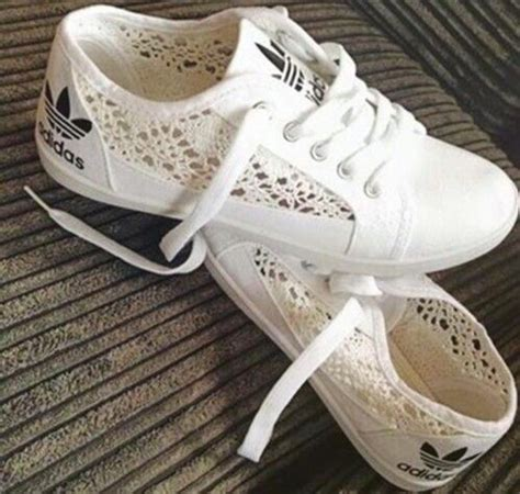 17 best ideas about adidas shoes white on adiddas shoes adidas tennis wear and