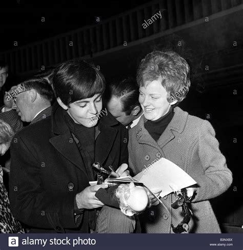 paul mccartney fan the beatles november 1963 paul mccartney signs autographs