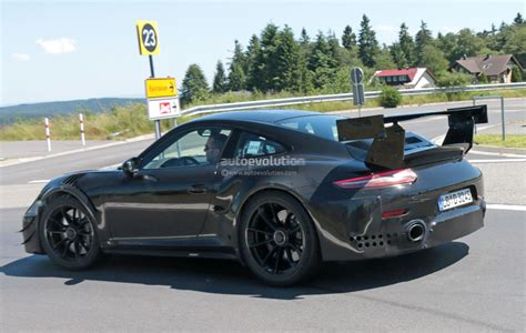 Porsche Gt2 by New Porsche 911 Gt2 Gt2 Rs Spied With Racecar Aero Expect