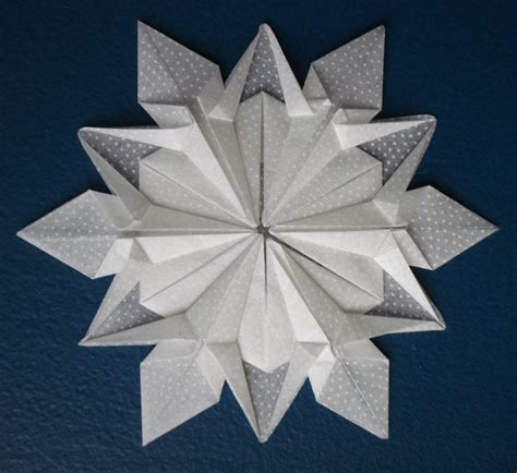 Winter Origami - origami snowflake winter
