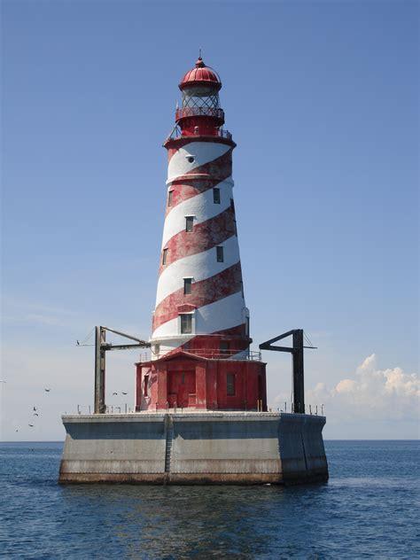 the light house file white shoal lighthouse jpg wikipedia