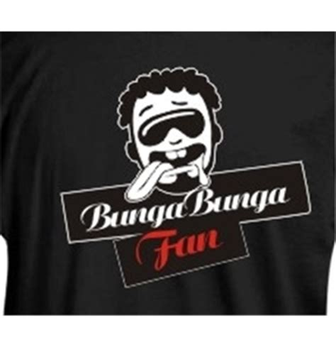 Clut Sulam Buga 1 t shirt nera bunga bunga fan modello logo per soli 14 90 su merchandisingplaza italia