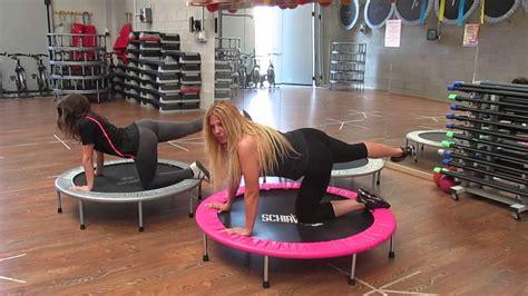 esercizi sul tappeto elastico monya fitness esercizi per rassodare i glutei con il