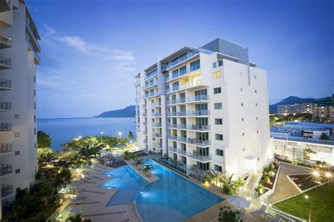 Mantra Appartments by Cairns Apartments Mantra Trilogy Cairns Esplanade