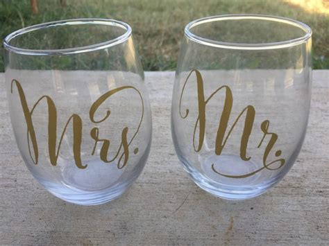 Wedding Gift Wine Glasses by Mr And Mrs Stemless Wine Glasses Wedding Wine Glasses