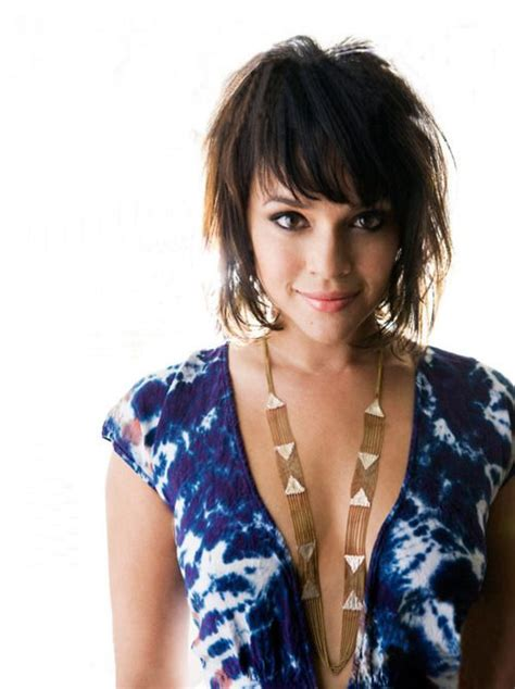 Norah Jones Hair Color   Hair Colar And Cut Style