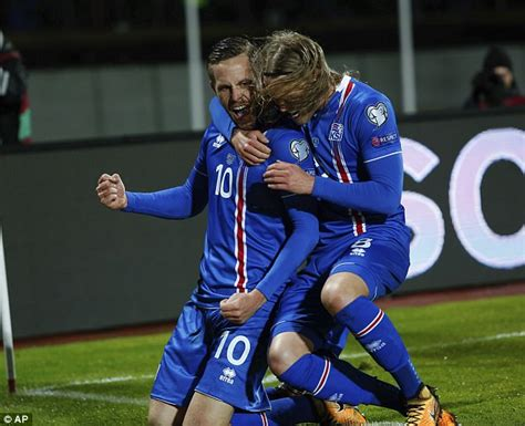 iceland goalkeeper 2018 iceland seal place at world cup 2018 daily mail