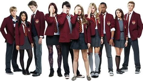 When Does The New Season Of House Of Cards Start by Differences Between House Of Anubis And Het Huis Anubis