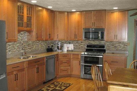 kitchen with oak cabinets selecting the right kitchen paint colors with maple